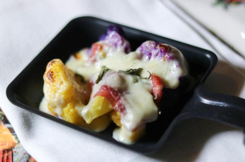 Raclette: Blumenkohl mit Bacon und Zitronen-Béchamel