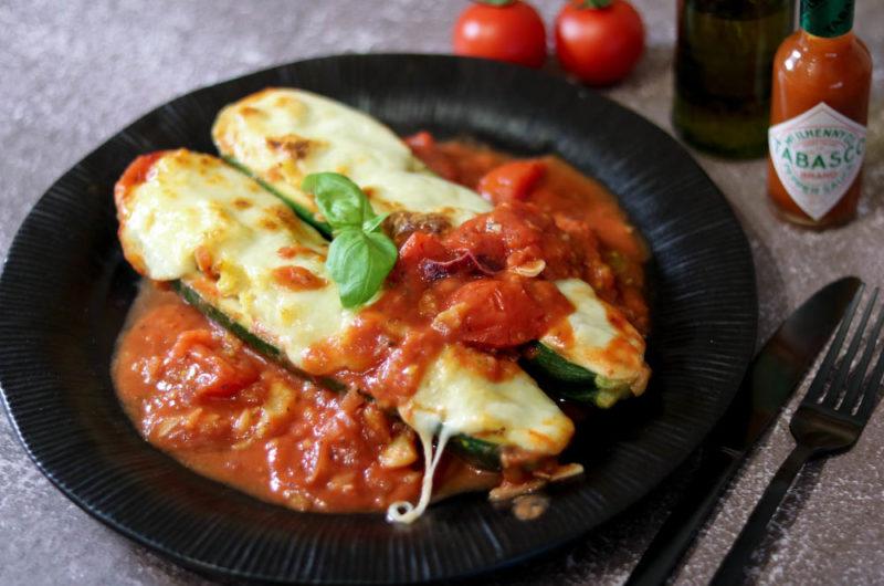 Zucchini mit Polenta-Füllung